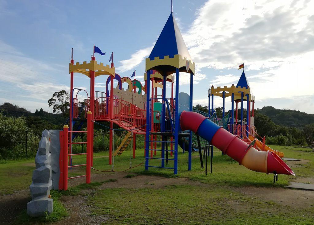 とれとれビレッジ 公園の遊具画像