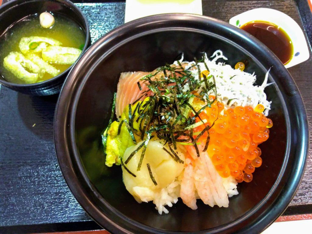 アドベンチャーワールド 海鮮丼画像