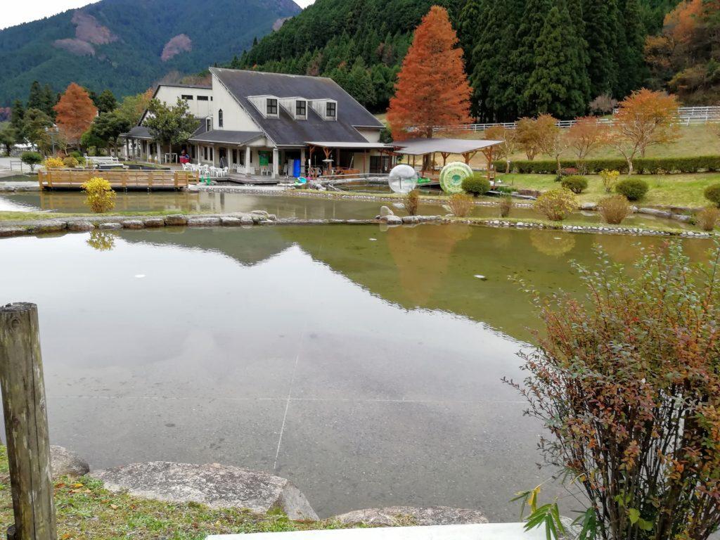 ヨーデルの森 じゃぶじゃぶ池冬の画像